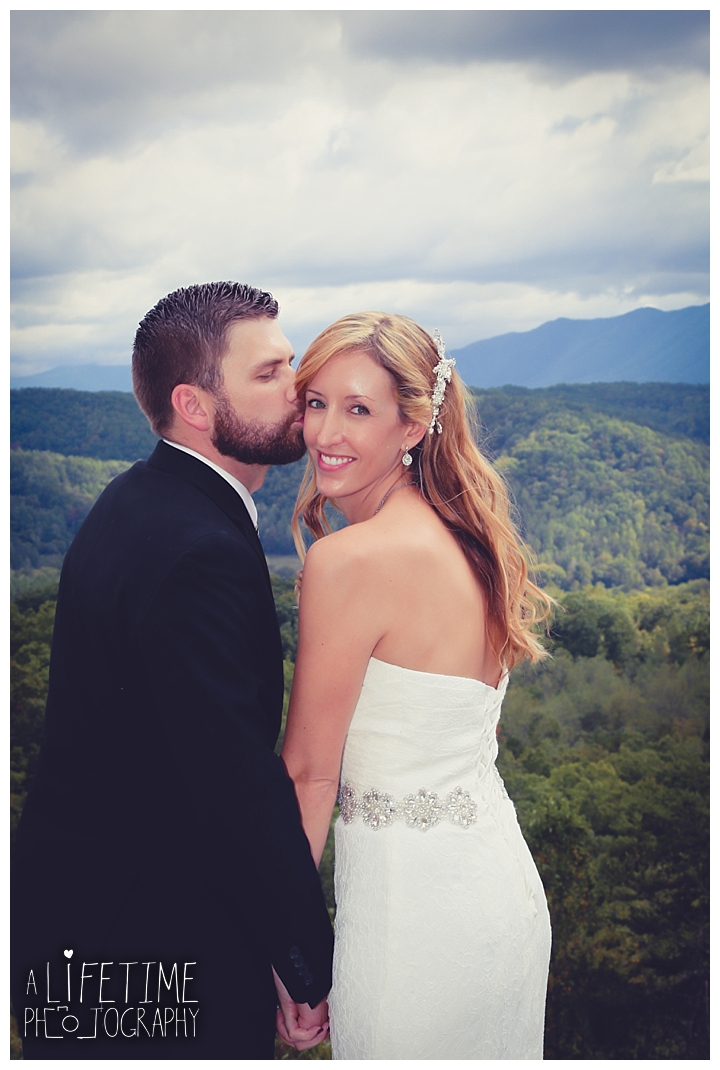 wedding-photographer-smoky-mountains-foothills-parkway-the-sink-gatlinburg-pigeon-forge-seviervile-knoxville-townsend-tennessee_0097