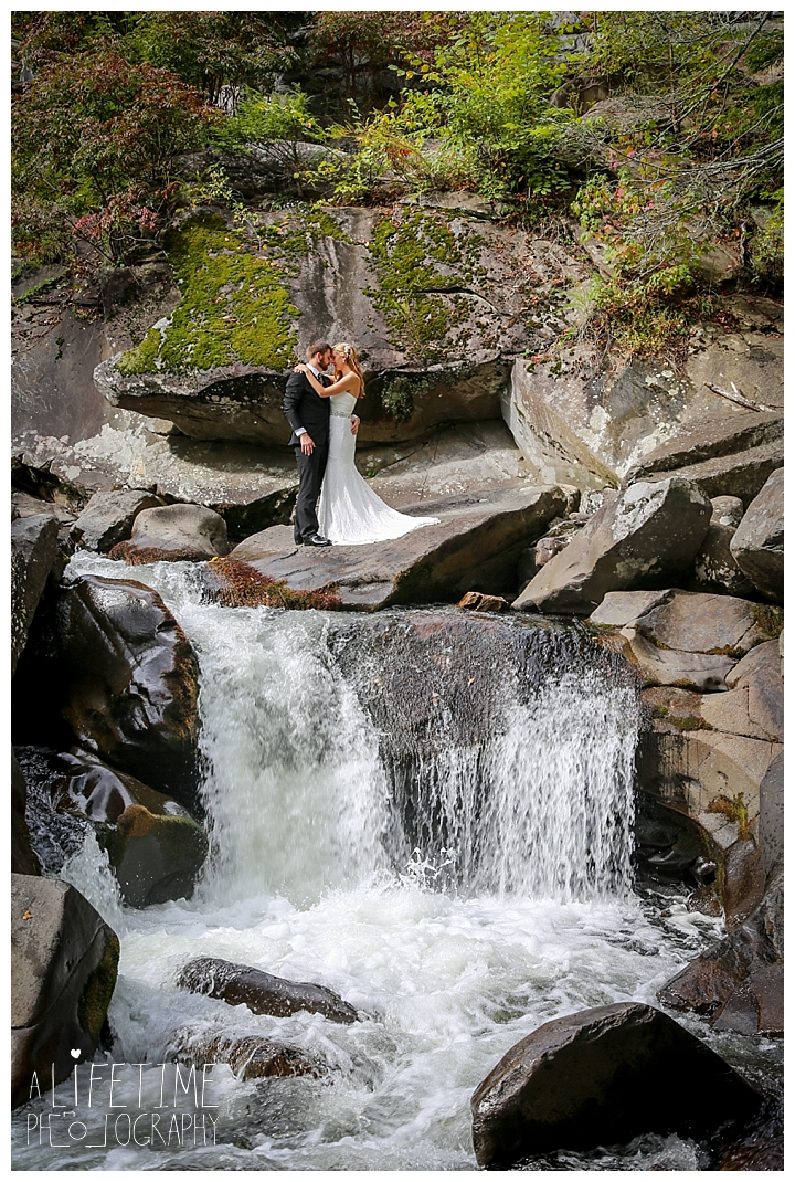 wedding-photographer-smoky-mountains-foothills-parkway-the-sink-gatlinburg-pigeon-forge-seviervile-knoxville-townsend-tennessee_0105